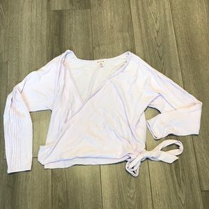 VS NWOT Wrap shirt